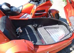 Honda Gold Wing 1800 mit Wing-Super-Sport in Touring-Ausführung